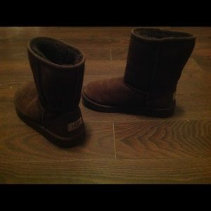 Uggs size 4
